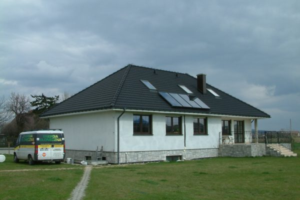 System solarny CWU Bielawa ulica Grunwaldzka